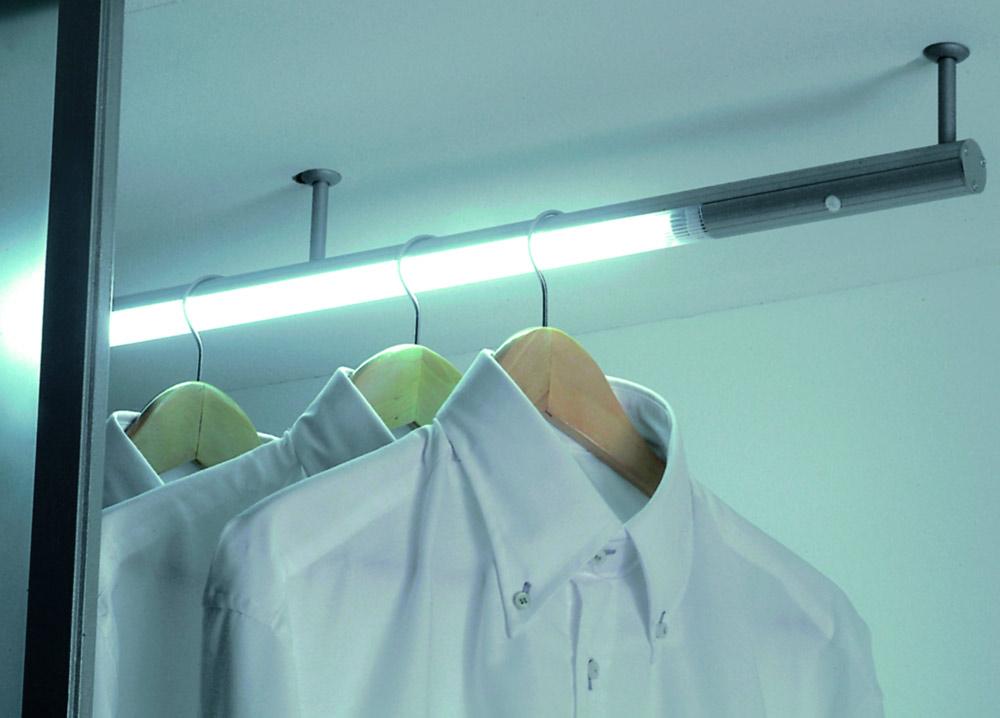 Люминесцентный светильник Play IFR,  8 Вт, сенсорный датчик открывания алю, 580xd30х130мм