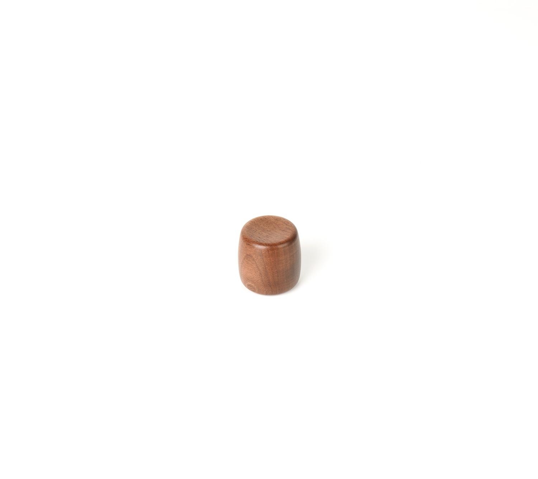 Ручка мебельная Apple 30, орех 30x30
