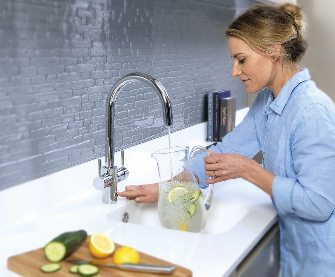 Система мгновенного кипячения воды AQUA HOTсо смесителем 45357